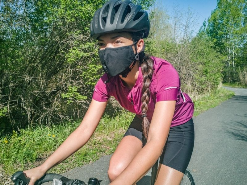 Wearing Masks Don't Hinder Your Cycling Performance, According to Experts